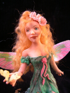 fairy gwen close up